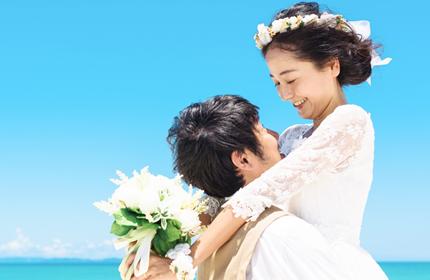 同級生から紹介を受けて入会、8か月でのご成婚。